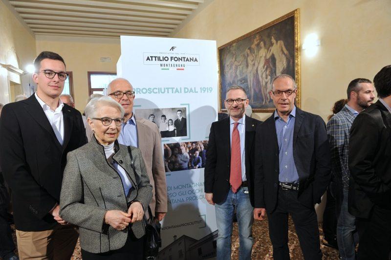 Foto di famiglia evento centenario