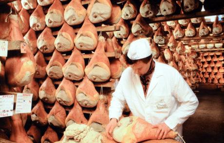 La stuccatura del prosciutto